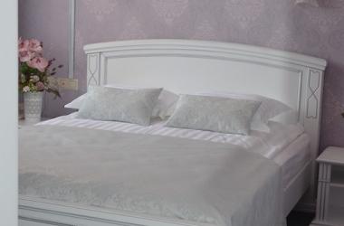 Белый постельный комплект