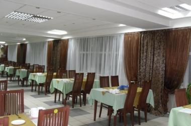 Шторы для банкетных залов коричневые