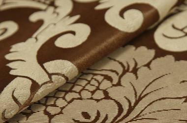 Ткань блэкаут коричневая с крупным бежевым рисунком