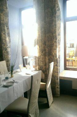 Рыбный ресторан в г. Петркув-Трыбунальски. Польша. Получехол на стул, ткань Navi, пр-во Испания. Эффектно и Эфективно!